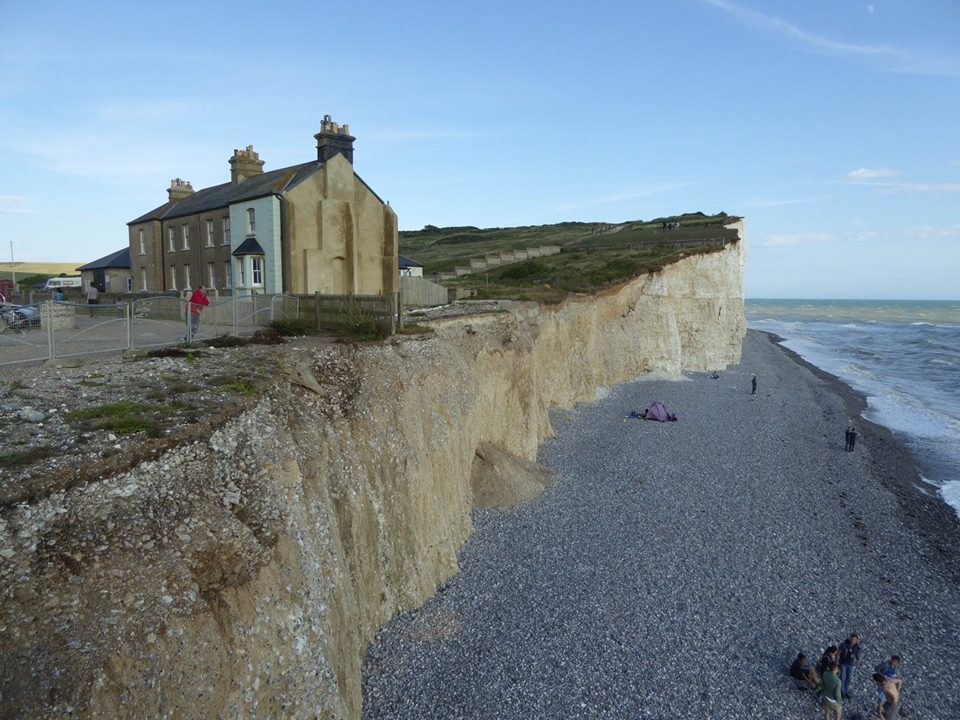 Ooops!  Easy to mislay whole buildings at Birling Gap.
